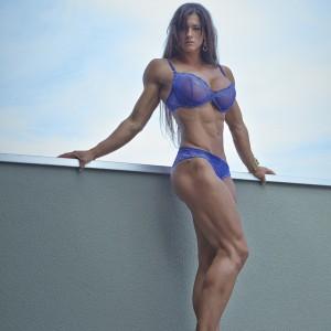 Personal-Trainer-Zurich-Cindy-Landolt-blue-7