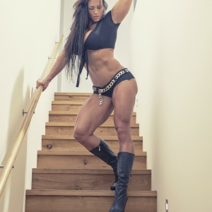 Personal-Trainer-Zurich-Cindy-Landolt-upstairs-4